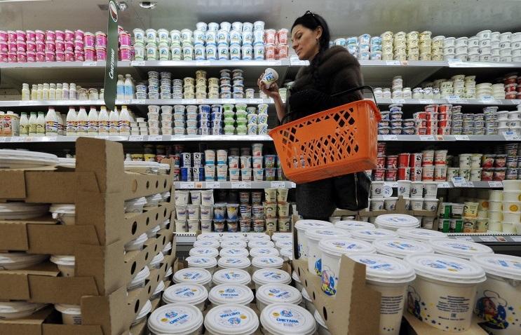 девушка и молочные бренды - что же выбрать